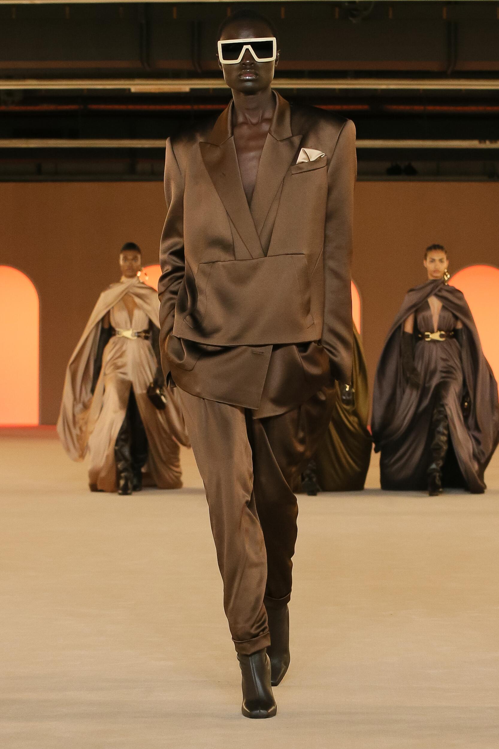 2020 Balmain Catwalk Paris Fashion Week