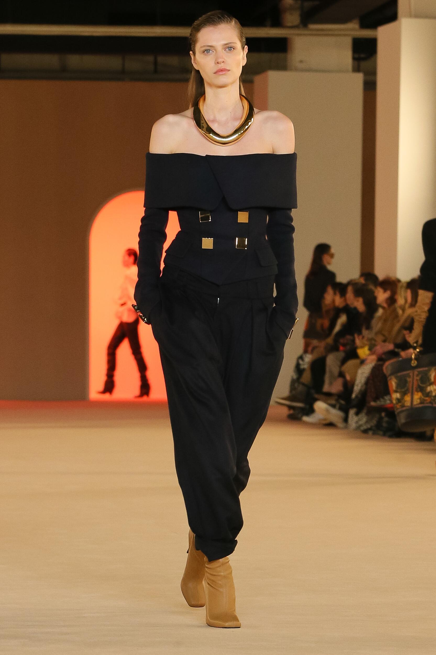 2020 Catwalk Balmain Woman Fashion Show Winter