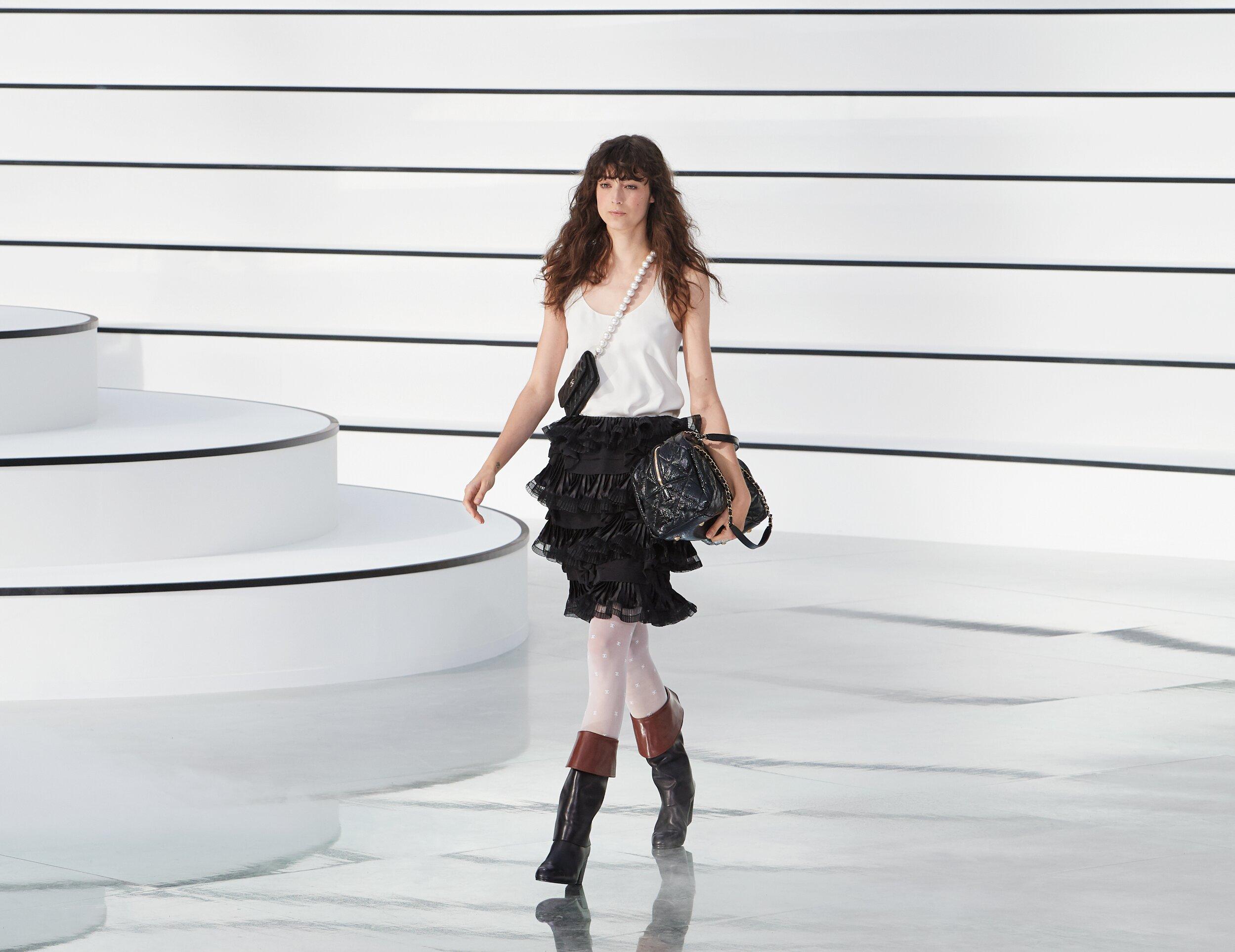 2020 Catwalk Chanel Winter