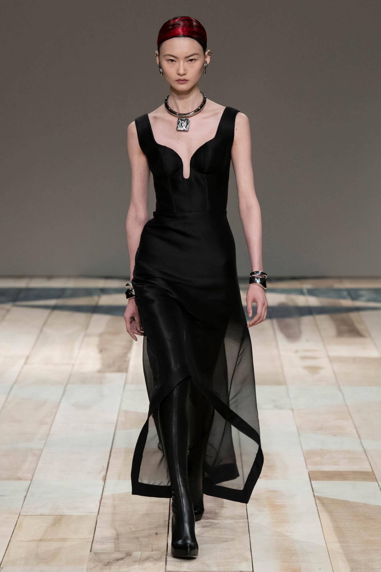 2020 Woman Style Alexander McQueen