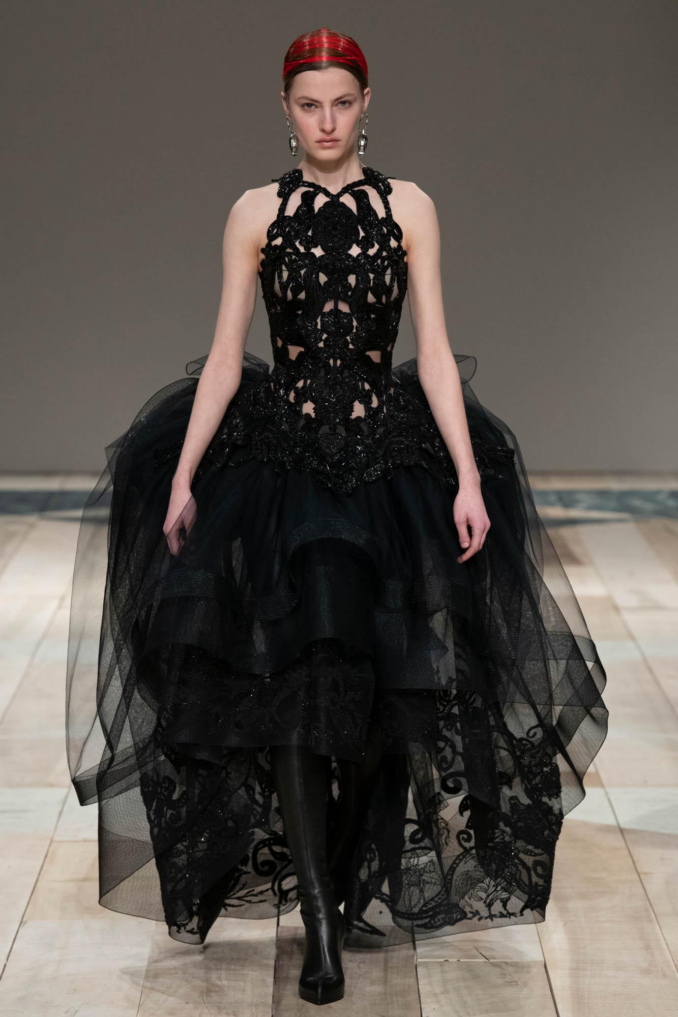Alexander McQueen 2020 Paris Women Trends