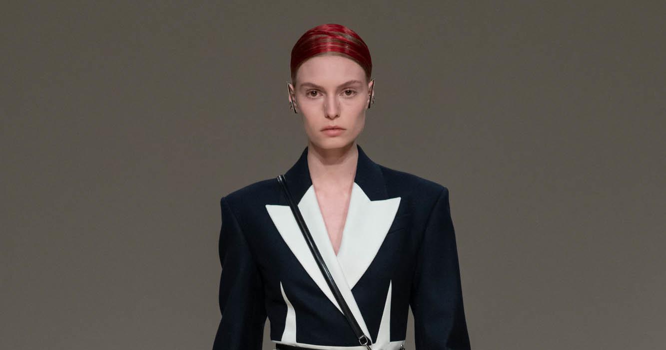 Alexander McQueen Fashion Show FW 2020 Paris