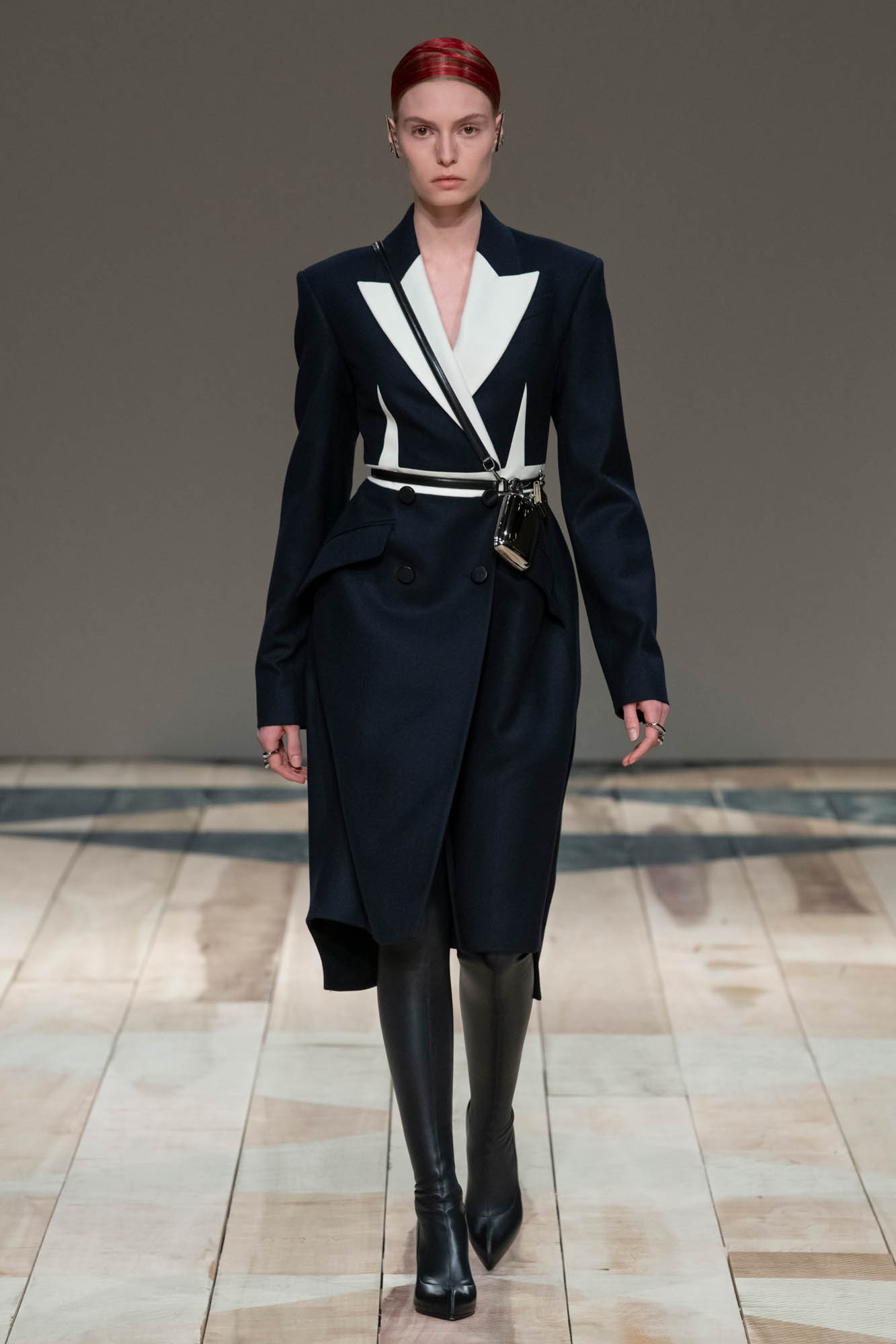 Alexander McQueen Fashion Show FW 2020