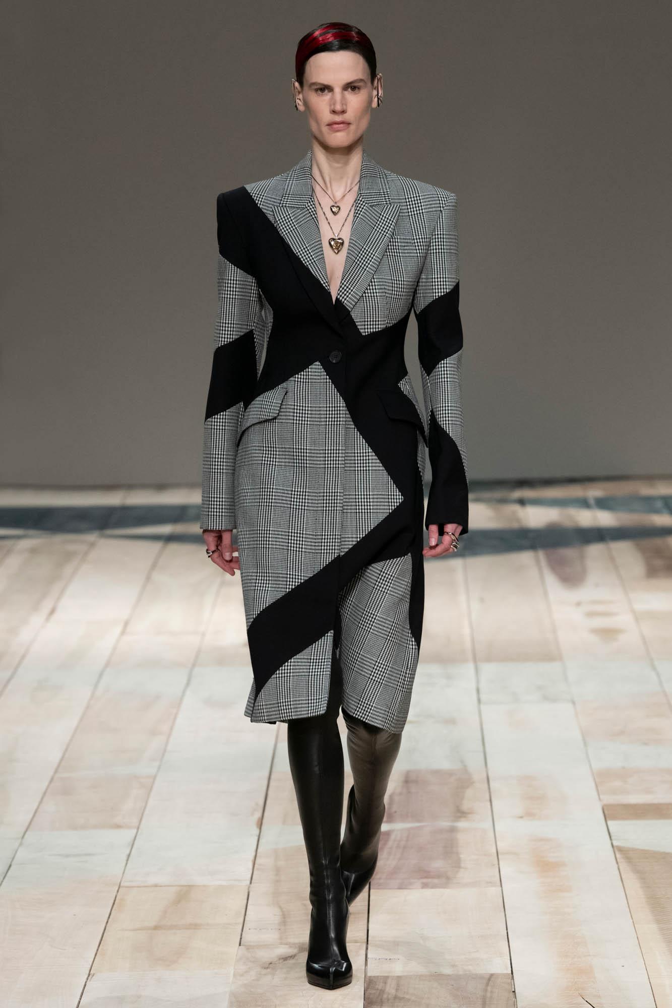 Alexander McQueen Style