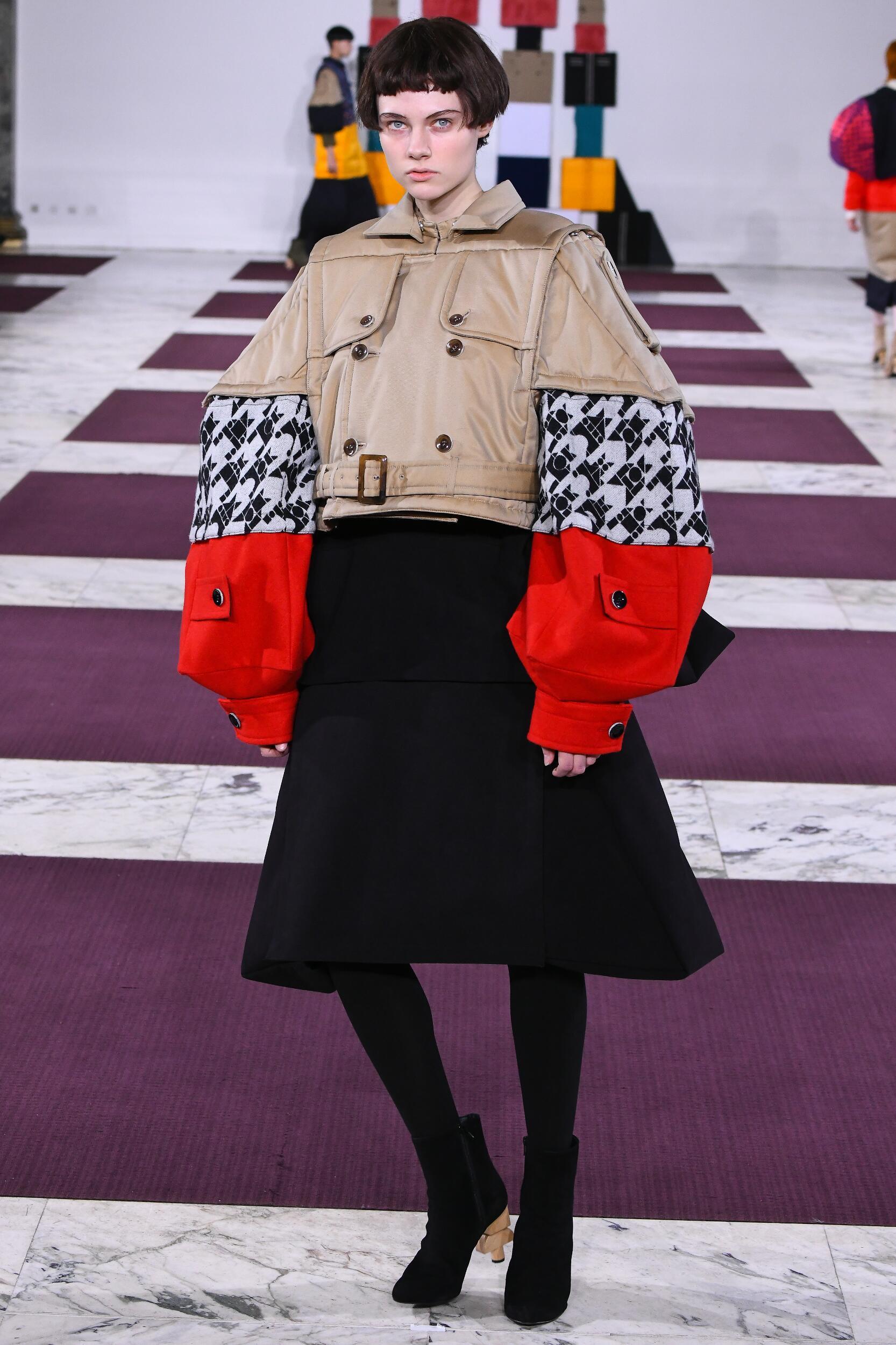 Catwalk Anrealage Women Fashion Show Winter 2020