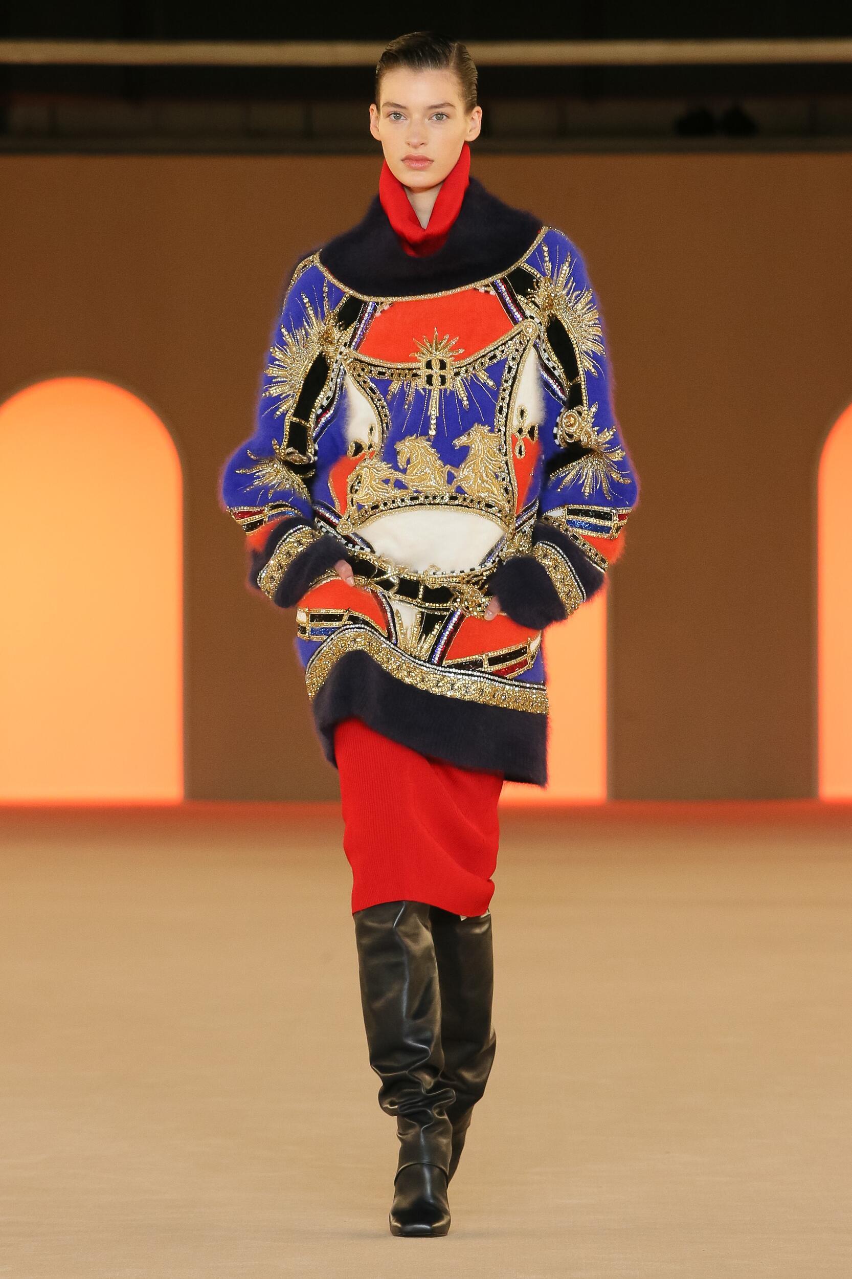 Catwalk Balmain Woman Fashion Show Winter 2020