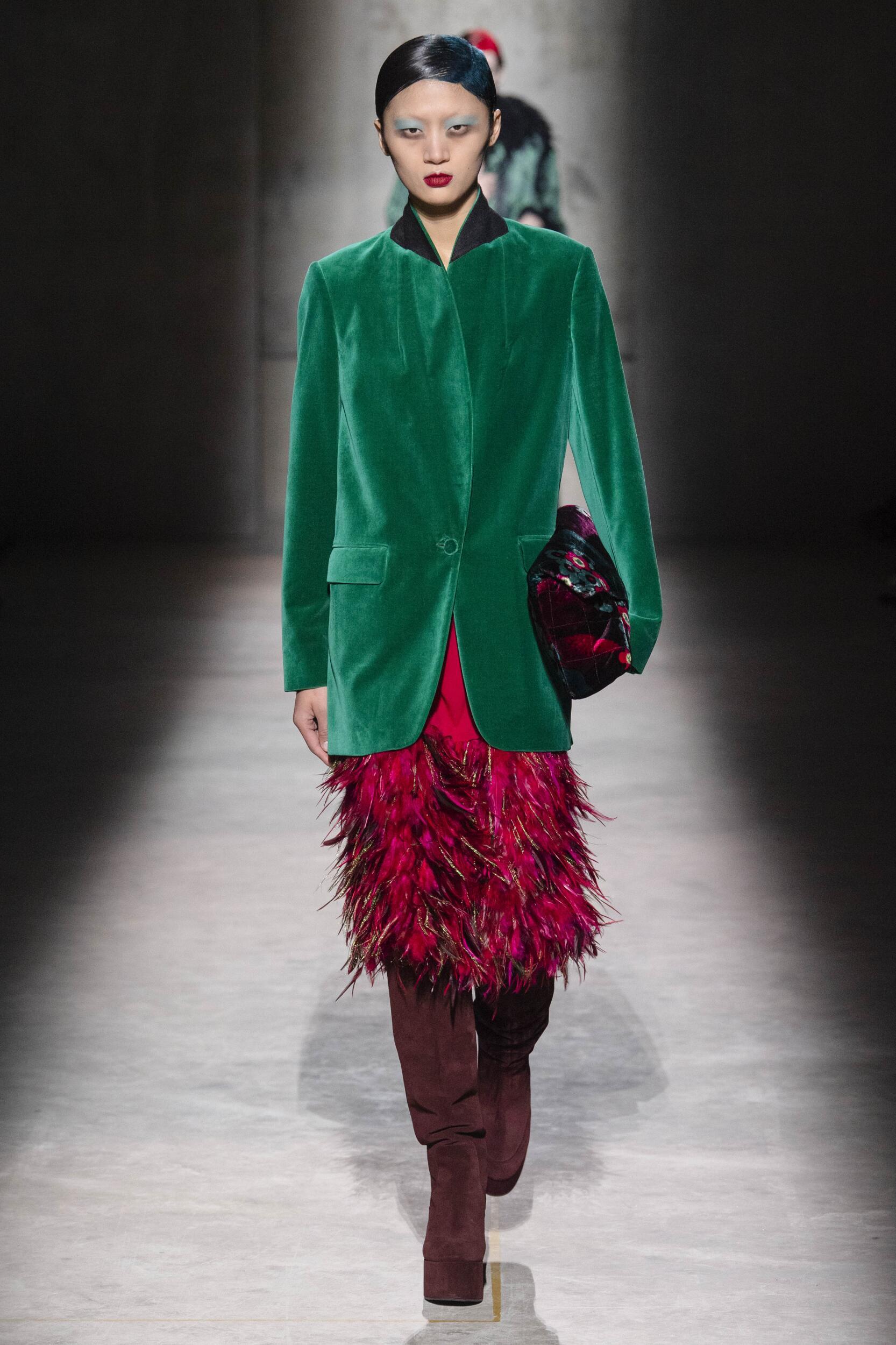 Catwalk Dries Van Noten Women Fashion Show Winter 2020