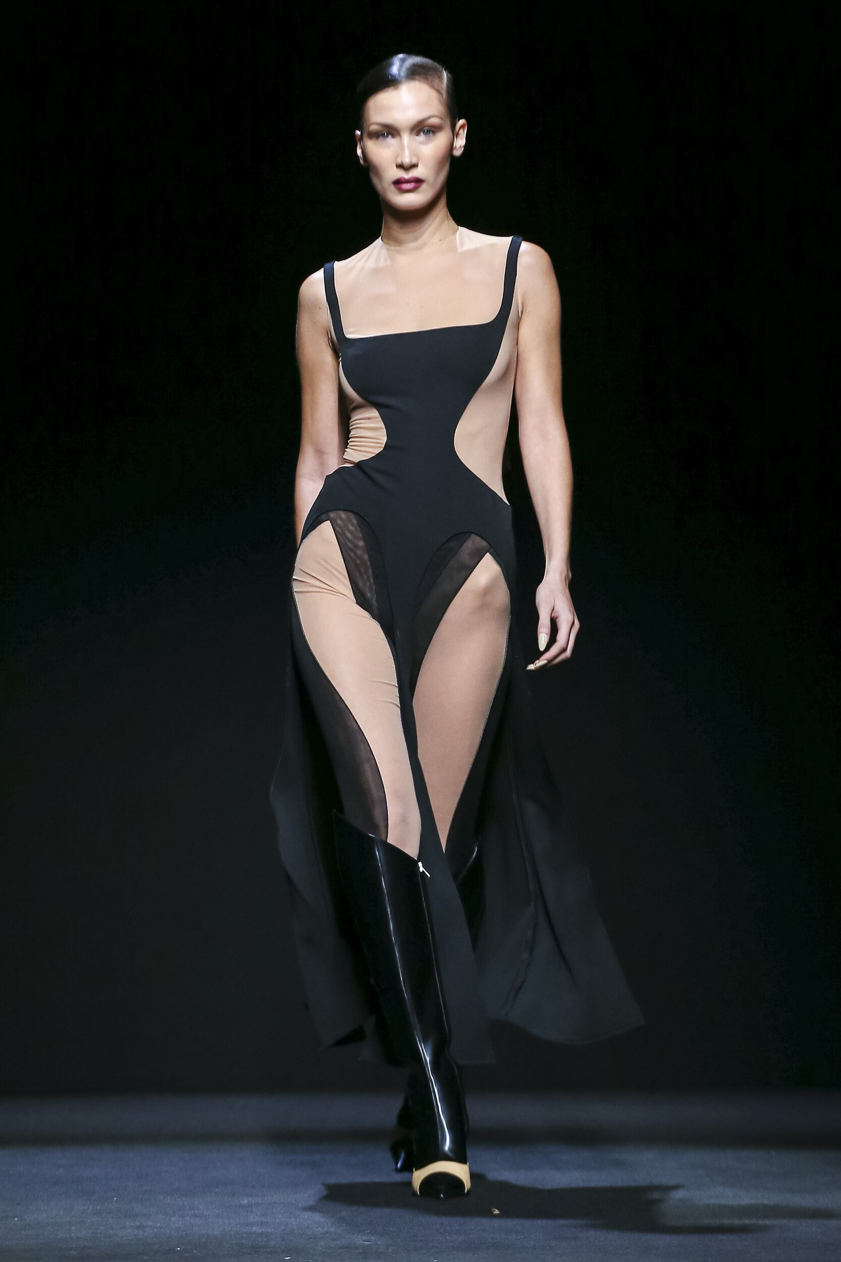 Catwalk Mugler Woman Fashion Show Winter 2020