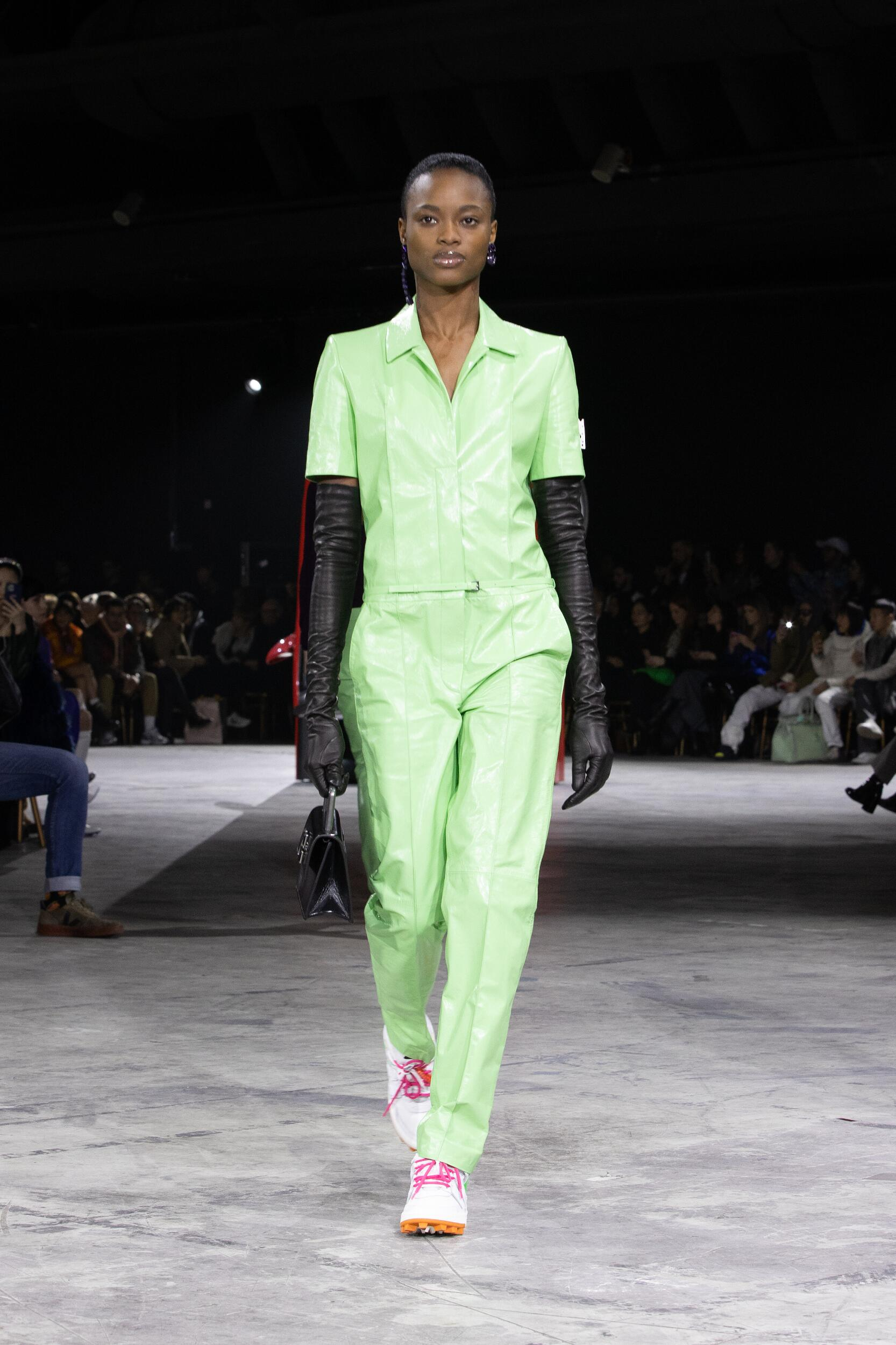Catwalk Off White c/o Virgil Abloh Woman Fashion Show Winter 2020