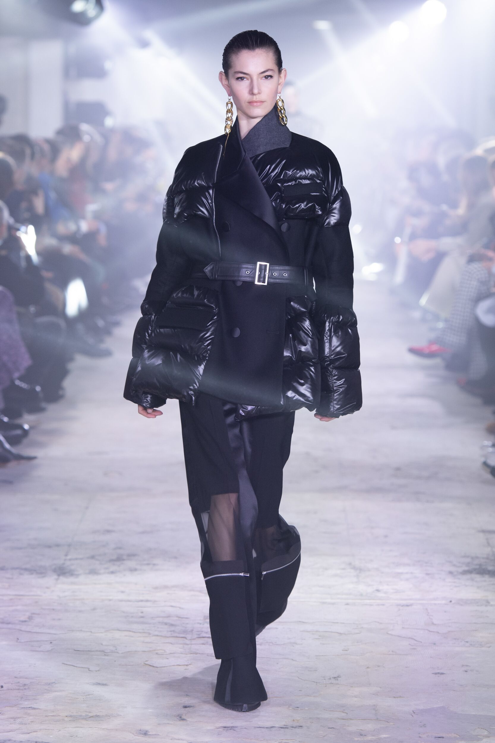 Catwalk Sacai Women Fashion Show Winter 2020