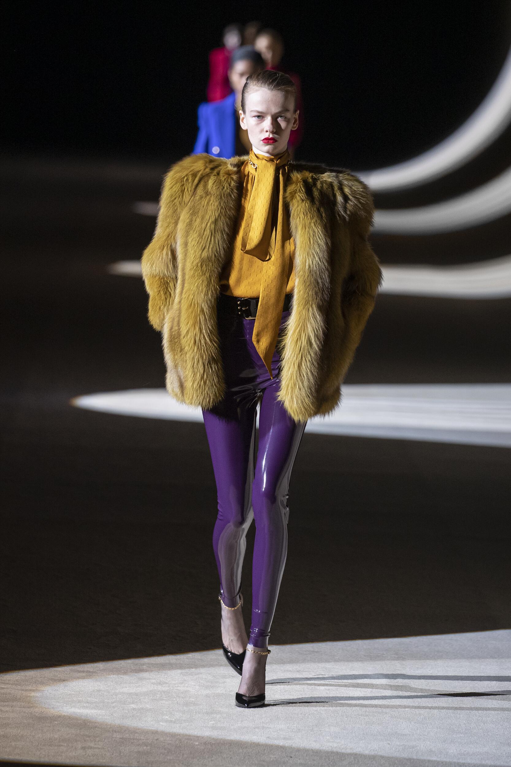 Catwalk Saint Laurent Woman Fashion Show Winter 2020
