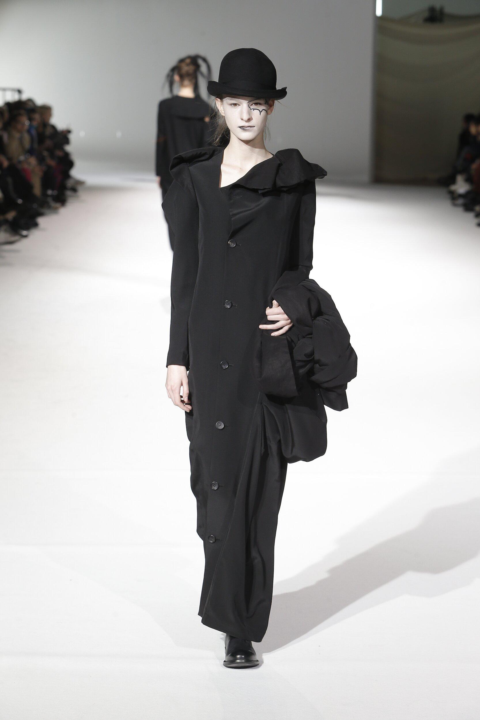 Catwalk Yohji Yamamoto