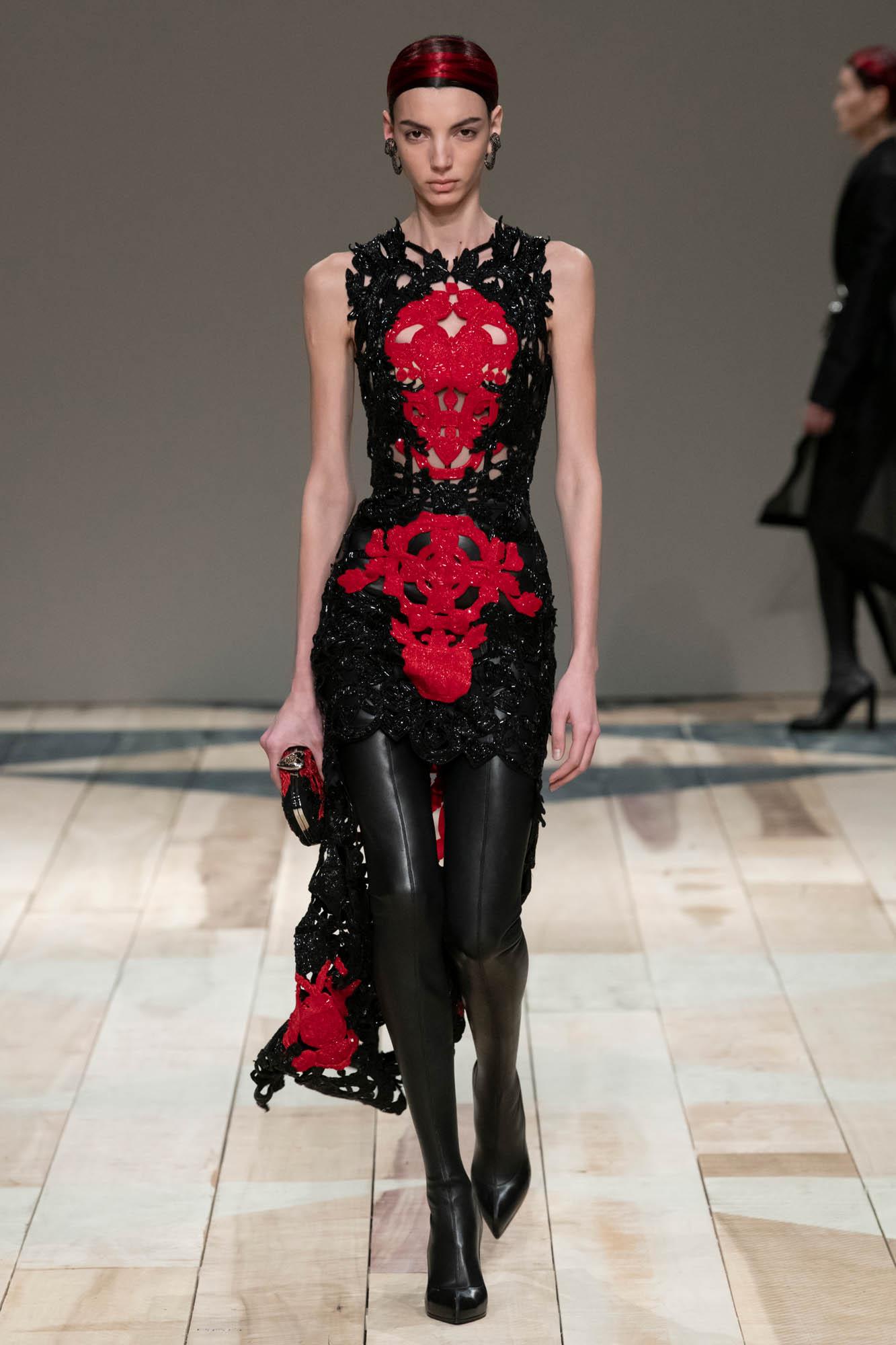 FW 2020-21 Alexander McQueen Fashion Show Paris