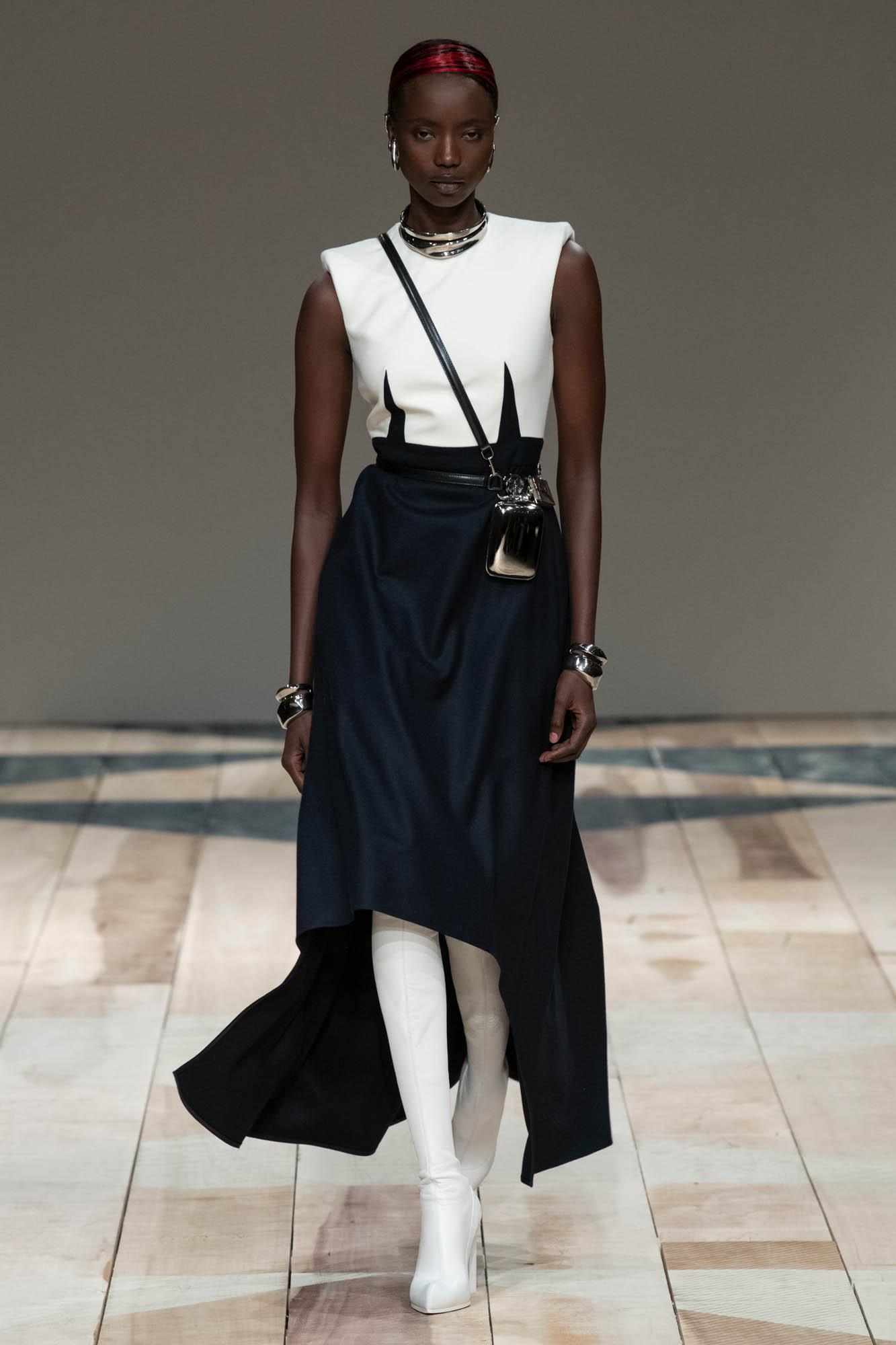 FW 2020-21 Alexander McQueen Fashion Show
