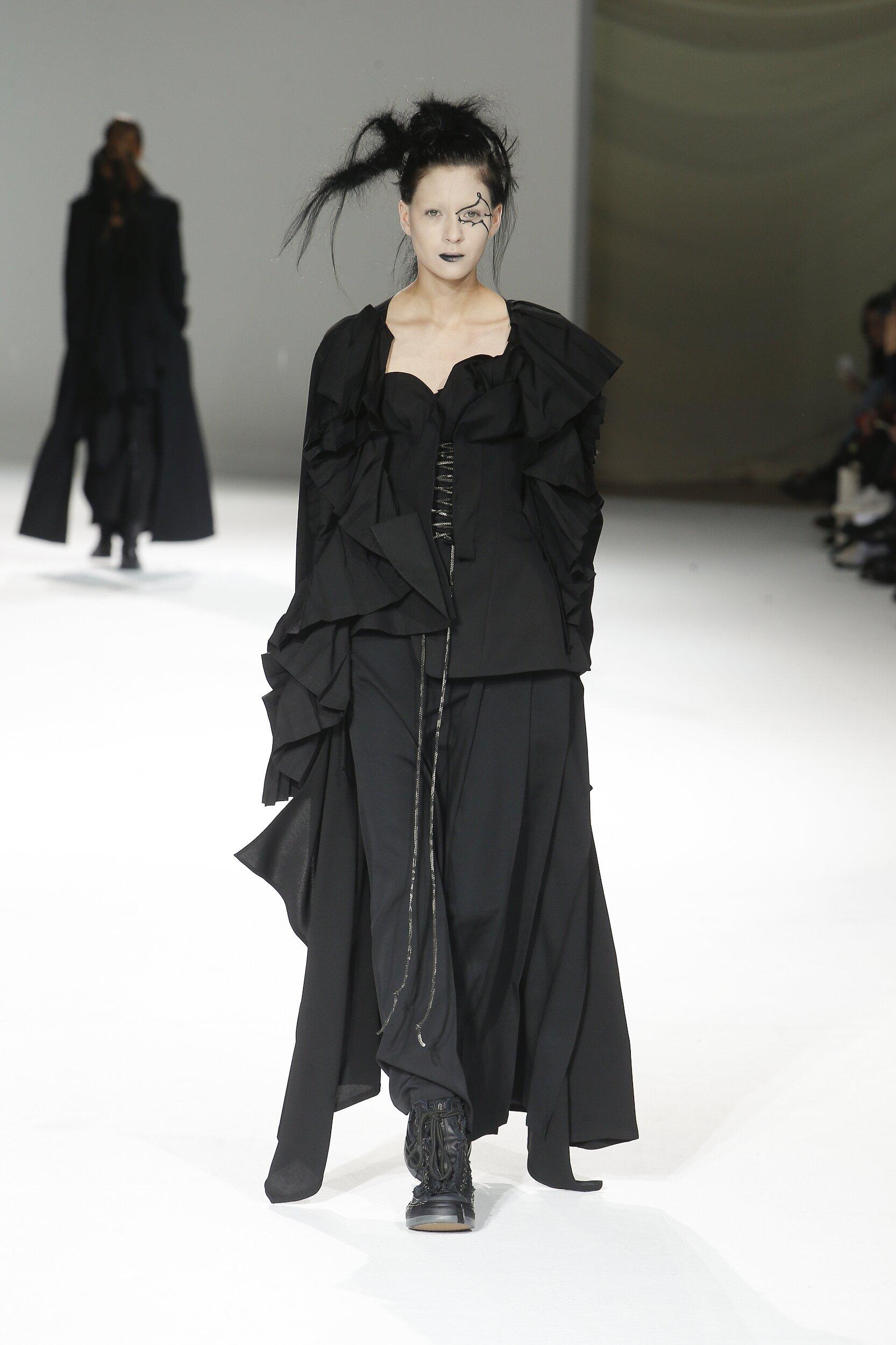 Fall 2020 Womenswear Yohji Yamamoto