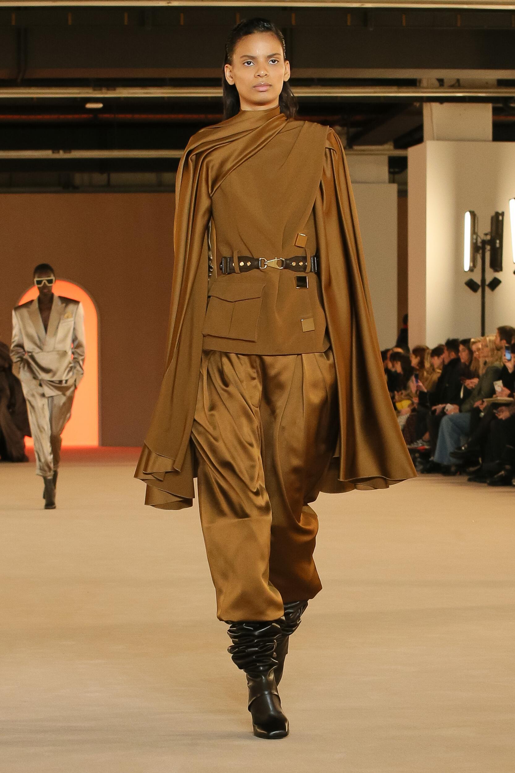 Fashion 2020 Runway Woman Balmain Winter