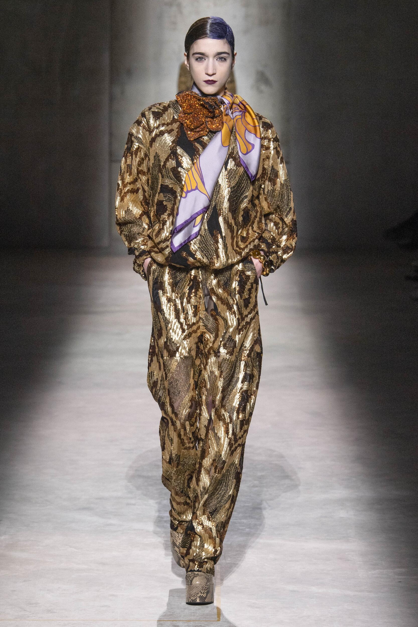 Fashion 2020 Runway Woman Dries Van Noten Winter