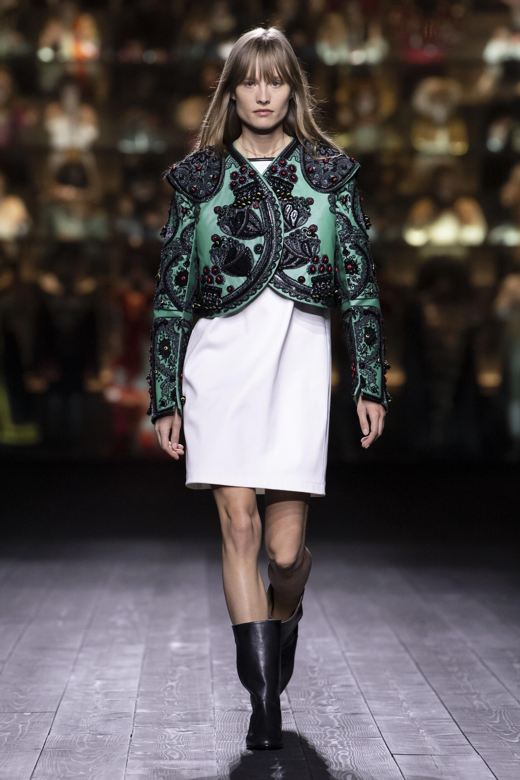 Fashion 2020 Runway Woman Louis Vuitton Winter