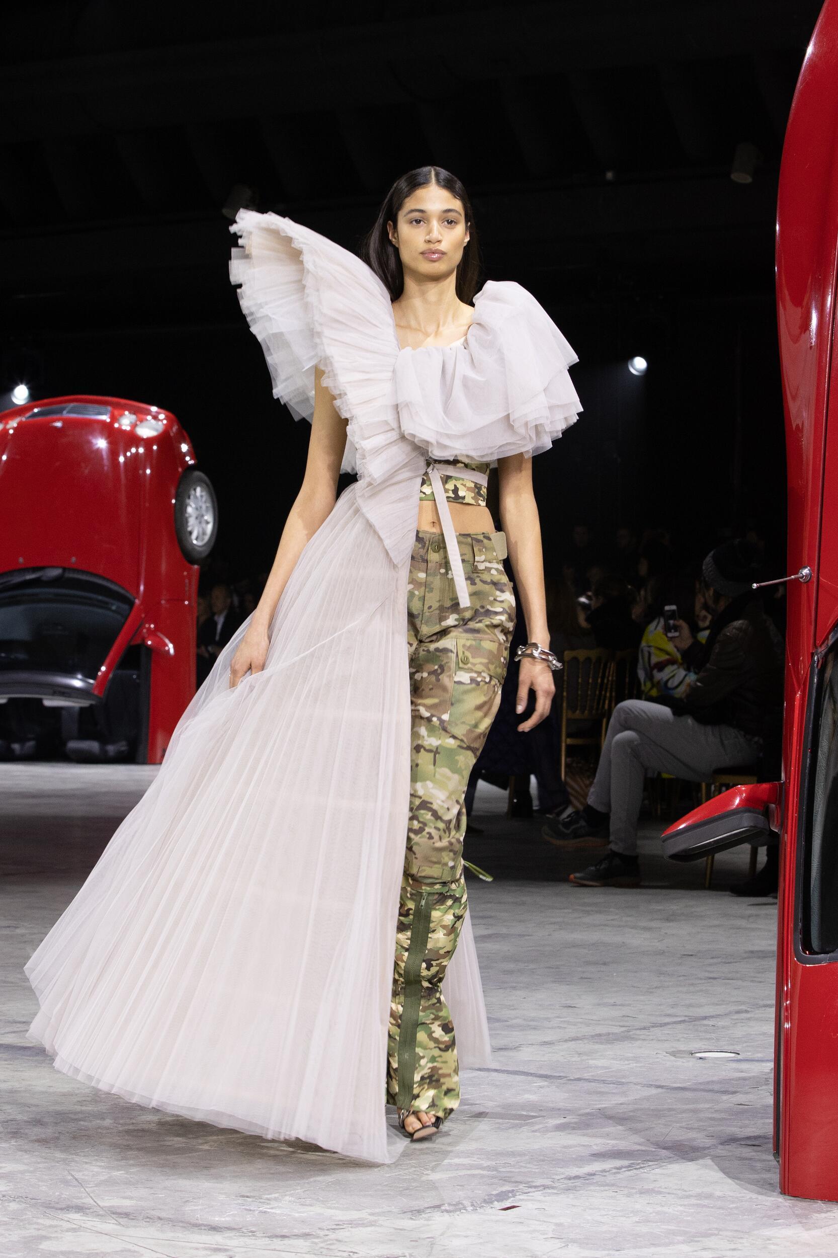 Off White c/o Virgil Abloh Womenswear