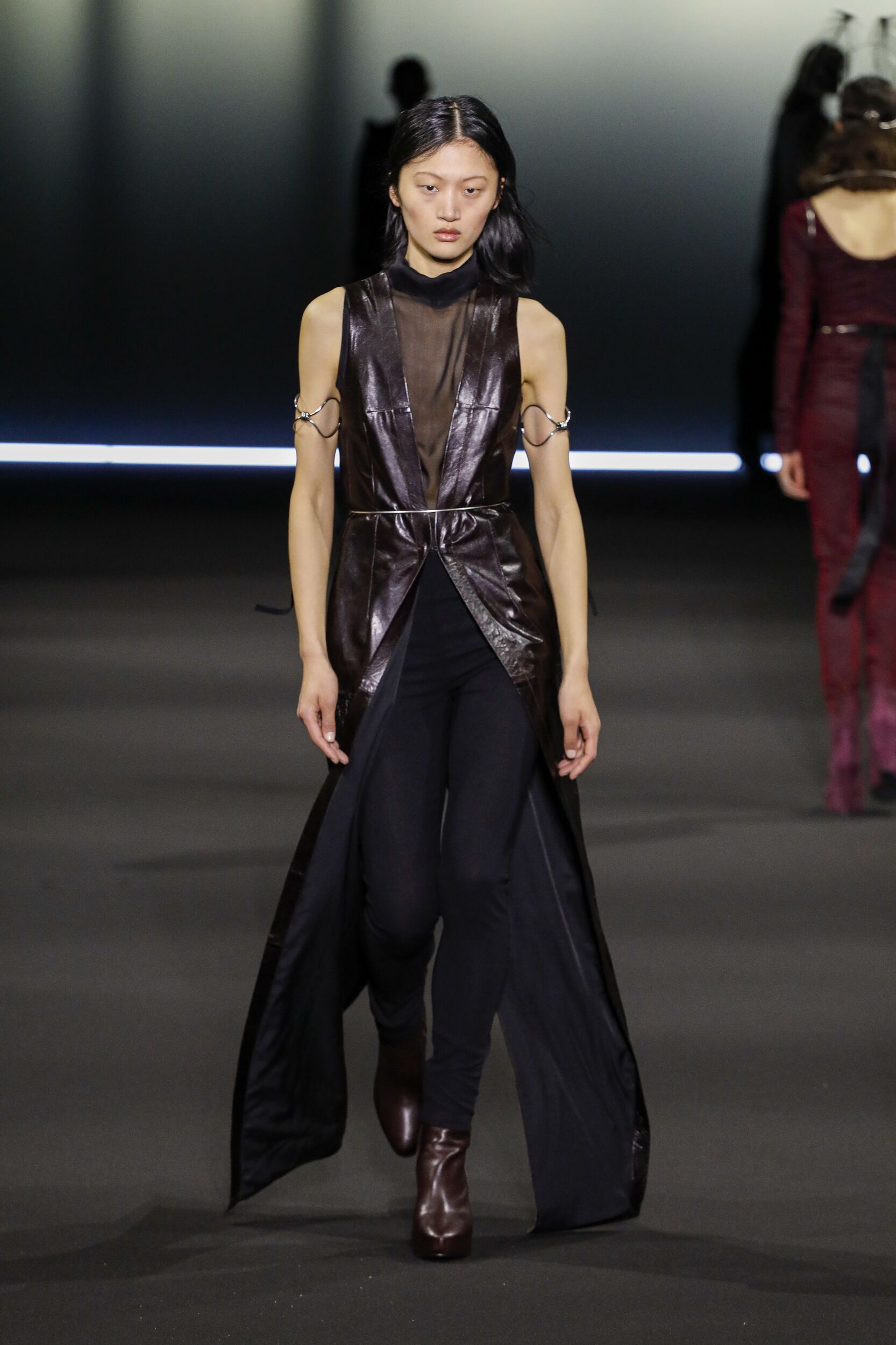 Runway Ann Demeulemeester Fall Winter 2020 Women's Collection Paris Fashion Week