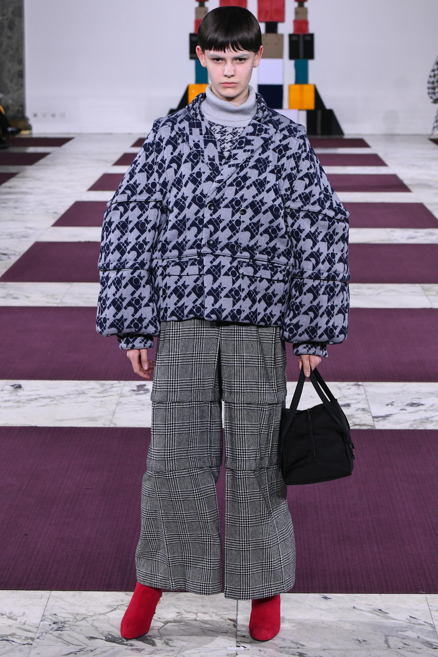 Runway Anrealage Fall Winter 2020 Women's Collection Paris Fashion Week