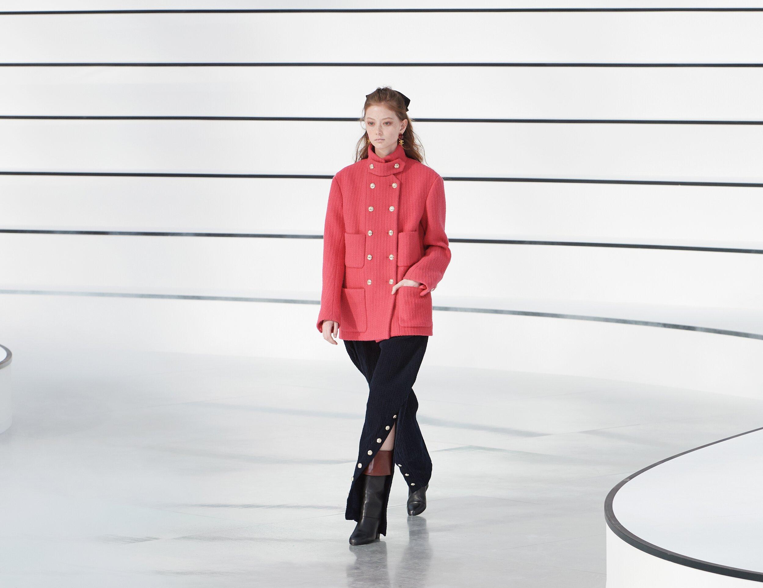 Runway Chanel Fall Winter 2020 Women's Collection Paris Fashion Week