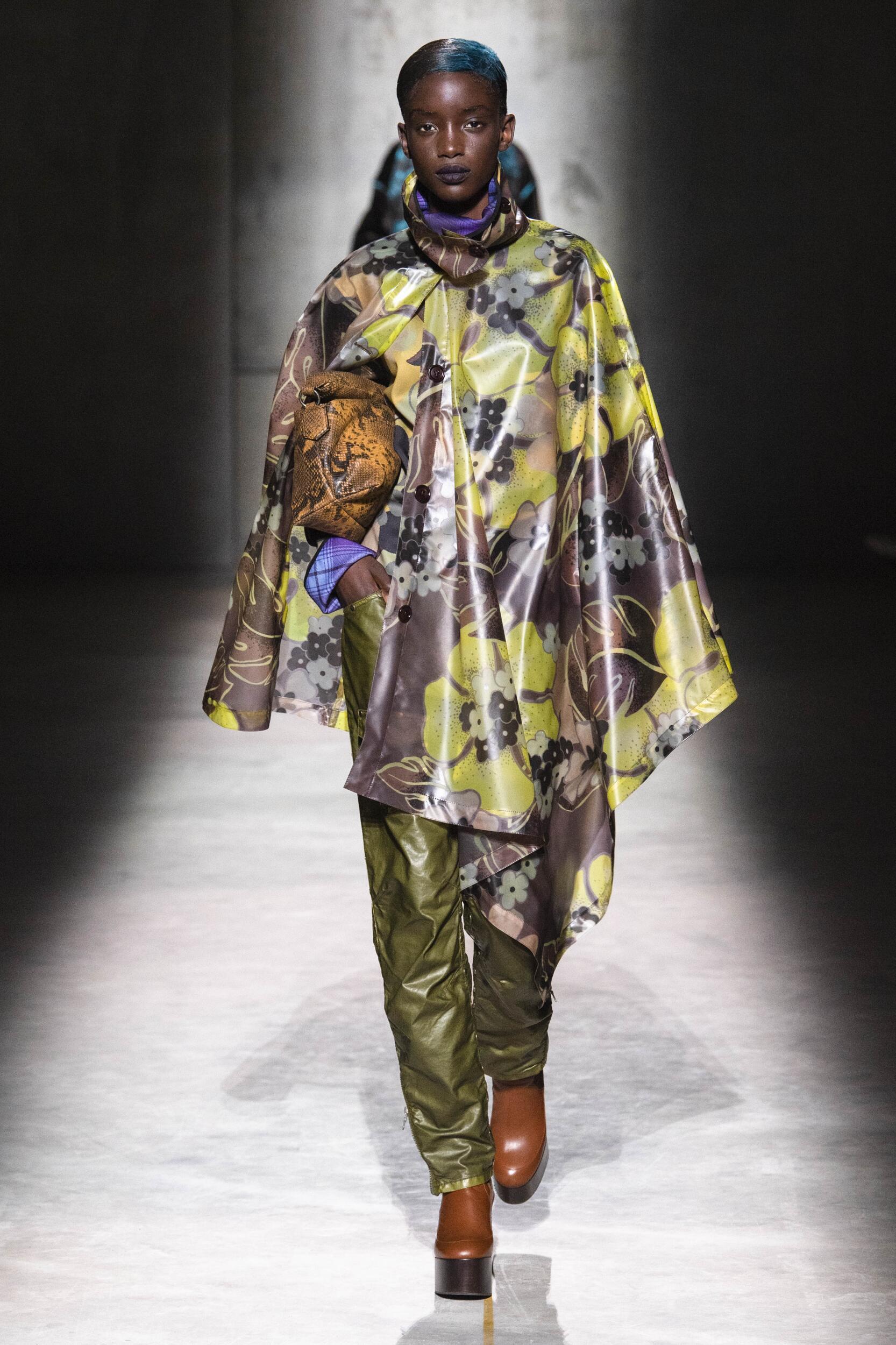 Runway Dries Van Noten Fall Winter 2020 Women's Collection Paris Fashion Week