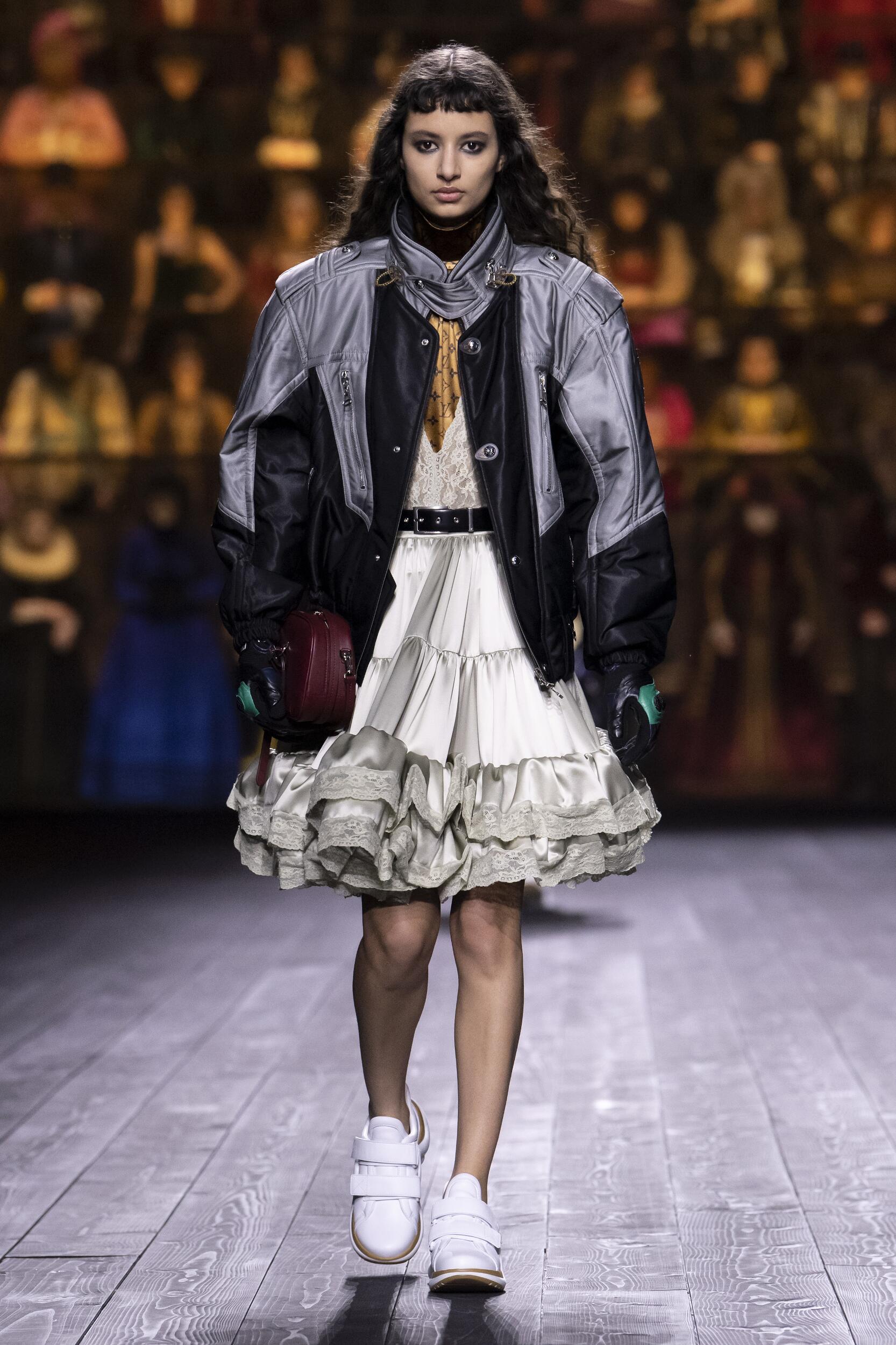 Runway Louis Vuitton Fall Winter 2020 Women's Collection Paris Fashion Week