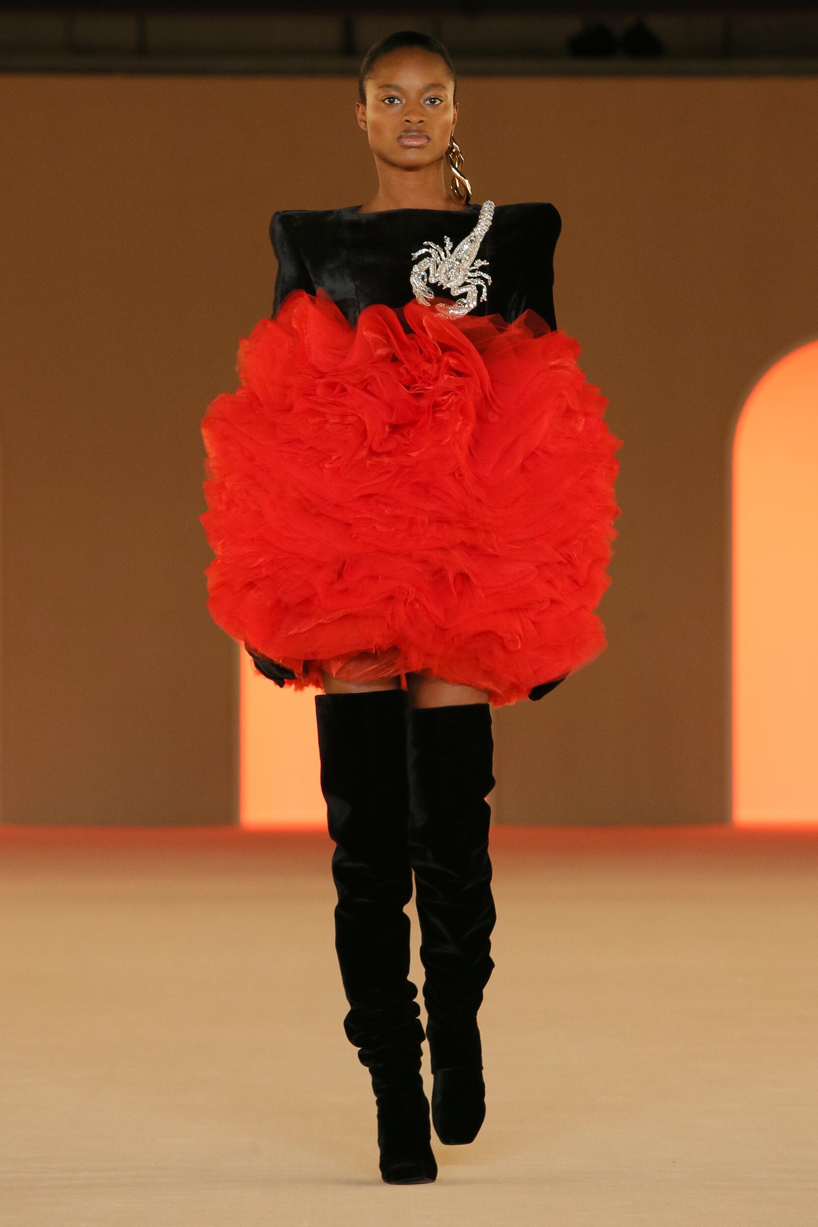Trends Womenswear Fall Winter Balmain 2020