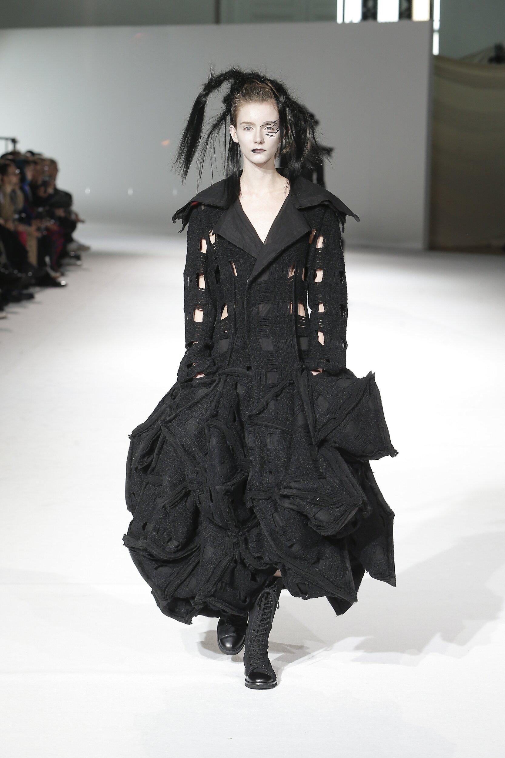 Winter 2020 Woman Trends Yohji Yamamoto