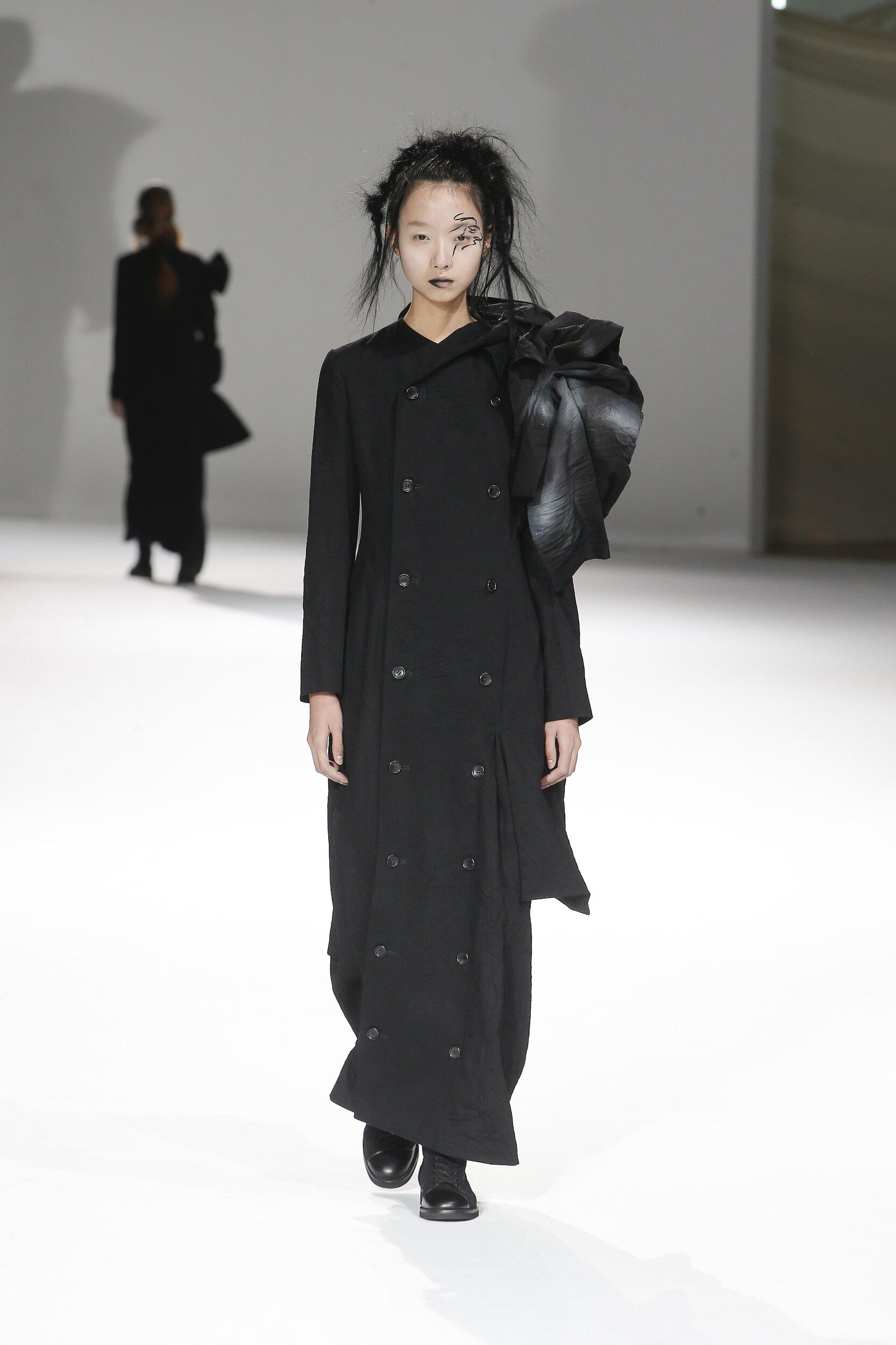 Yohji Yamamoto Fall 2020 Catwalk