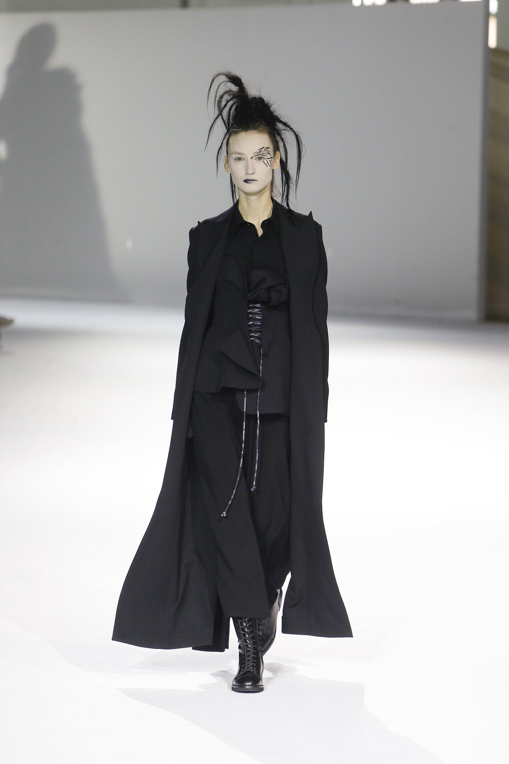 Yohji Yamamoto Fashion Show FW 2020