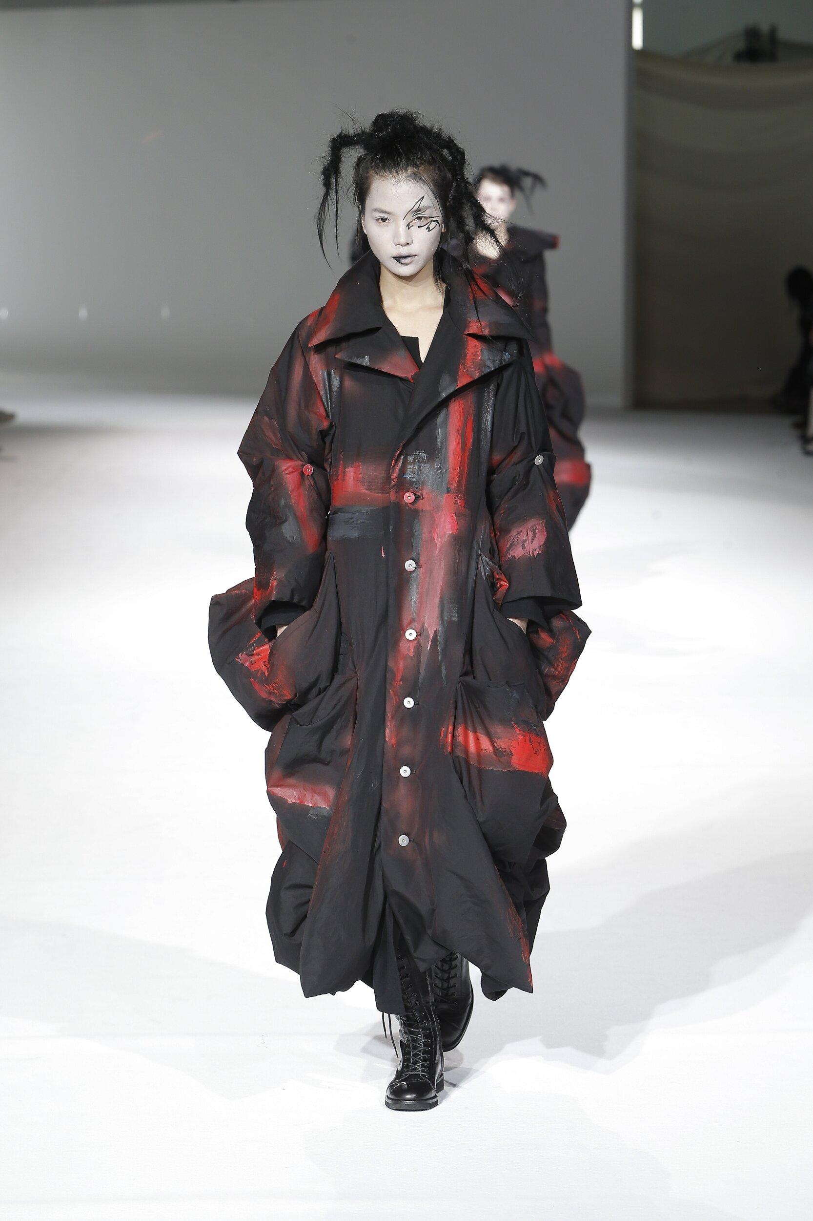 Yohji Yamamoto Women's Collection 2020-21